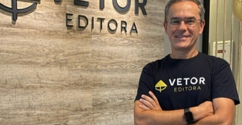 Ricardo Mattos - CEO da Vetor Editora. Crédito da imagem Divulgação-Vetor Editora.png
