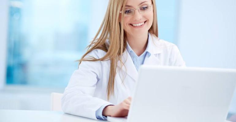 trakcare-nurse-laptop